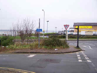 S15_BWH23-12-05Morrisons Crossing.jpg (53039 bytes)
