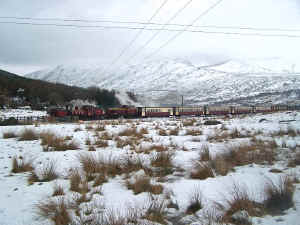 138_BWH27-12-10in snow approaching RD with Funkey.jpg (110934 bytes)