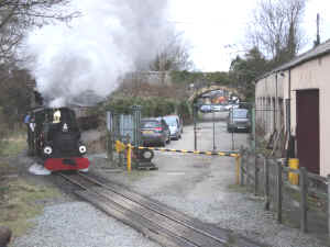 Blanche_AS21-2-11Dinas passing shed.jpg (84915 bytes)