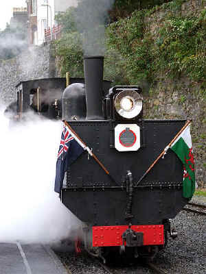 K1_RD5-9-08with plaque Caernarfon.jpg (69199 bytes)