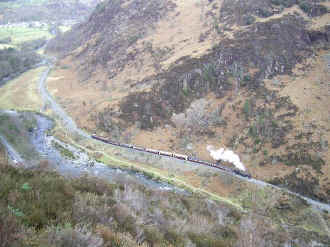 S10_AS14-3-08TT aerial view in Aberglaslyn Pass.jpg (87537 bytes)