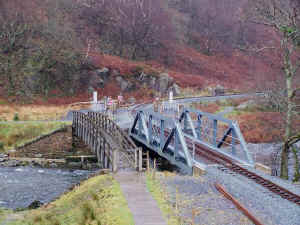 S10_BWH22-12-08BYF footpath crossing complete.jpg (82143 bytes)