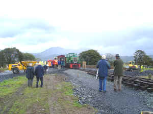S11_JE1-10-08Trustees Train at Pont Croesor B.jpg (54702 bytes)