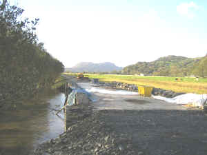 S12_SM24-10-08flood relief culvert S.jpg (49697 bytes)