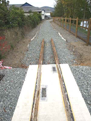 S14_AT20-9-08LB tramway drains.jpg (68190 bytes)