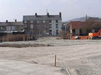 S14_BWH25-3-07New Car park exit.jpg (55048 bytes)