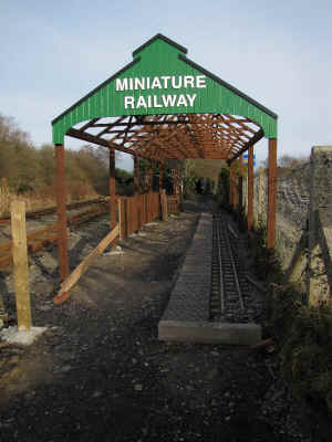 WHHR_MC20-2-11new miniature railway station.jpg (86260 bytes)